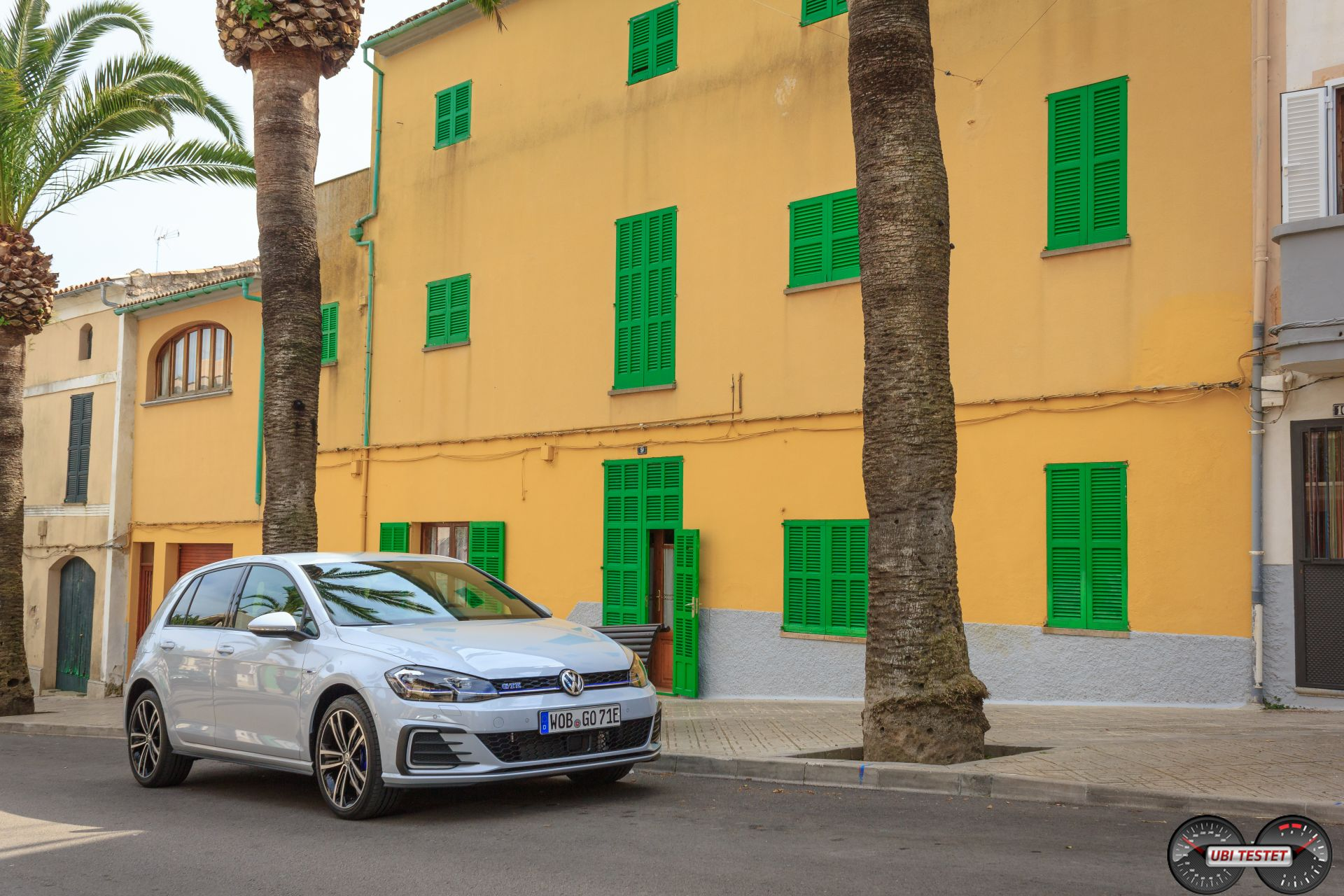 VW Golf GTE White Silver 2017