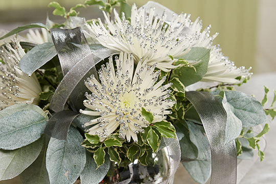 How to Arrange Flowers  Glitter Spider Mums