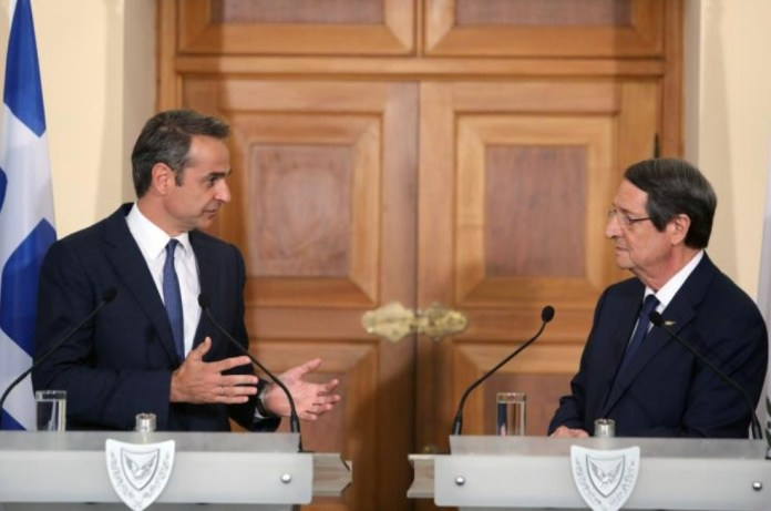 Greek Premier informs President about his meeting with Erdogan
