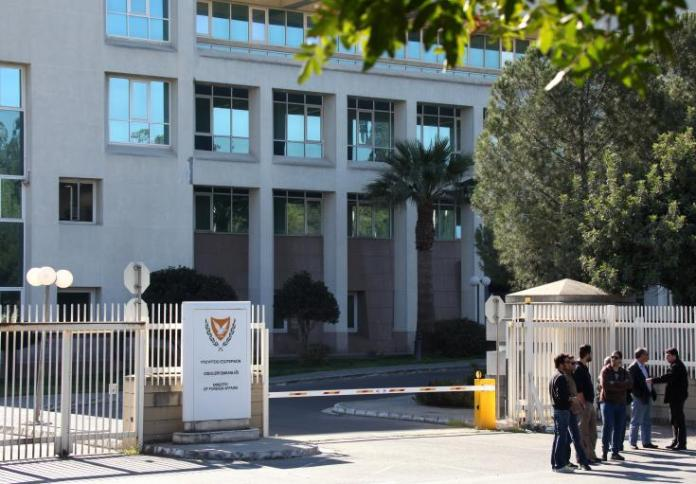 The Cypriot Ministry of Foreign Affairs has until now received a small number of phone calls concerning the issue of the coronavirus, and nothing that may cause concern has come up so far,