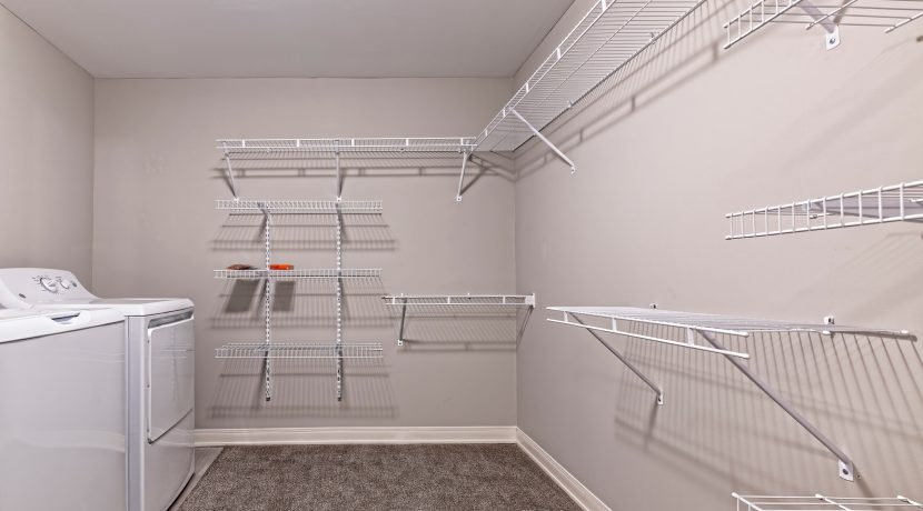 022-BLVD64-Closet