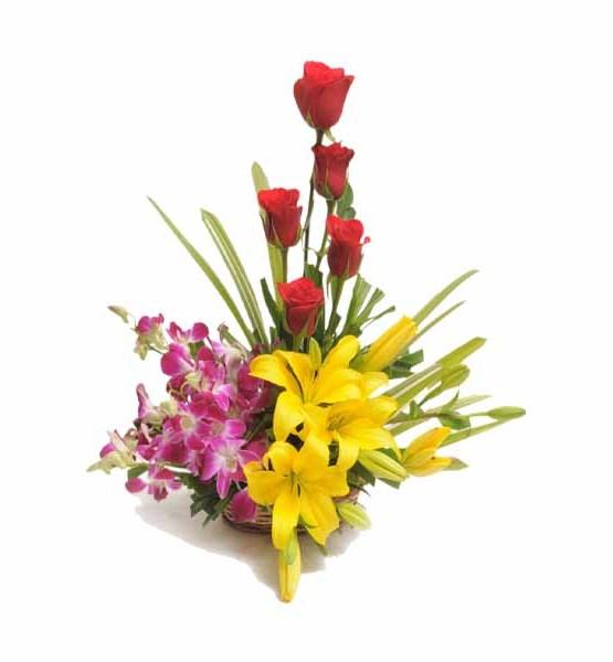 12+ Mix Flowers Basket arrangement