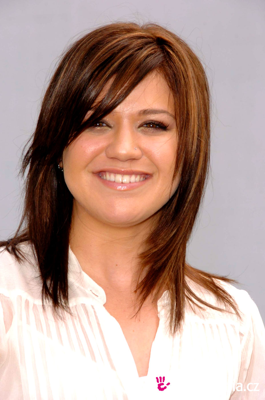 Kelly Clarkson Medium Length Hairstyle Short Hairstyle 2013