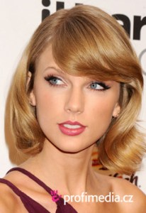 Taylor Swift     Promi Frisuren zum Ausprobieren in eFrisuren Taylor Swift