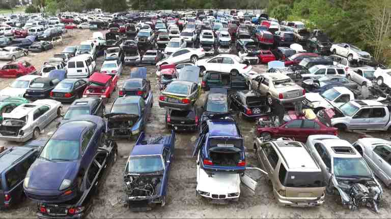 Six Ways To Keep Your Car Looking And Running Grea