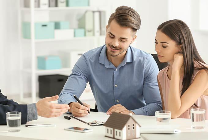 Immobilie verkaufen – Vertragsabschluss – UC Immobilien