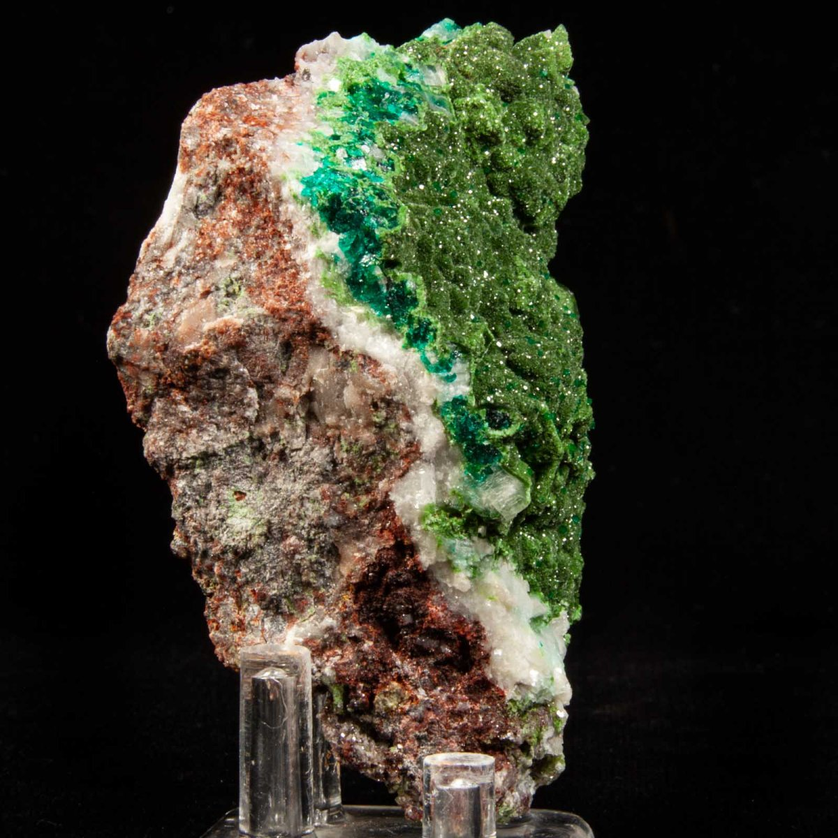 Dioptase with Mottramite on Calcite