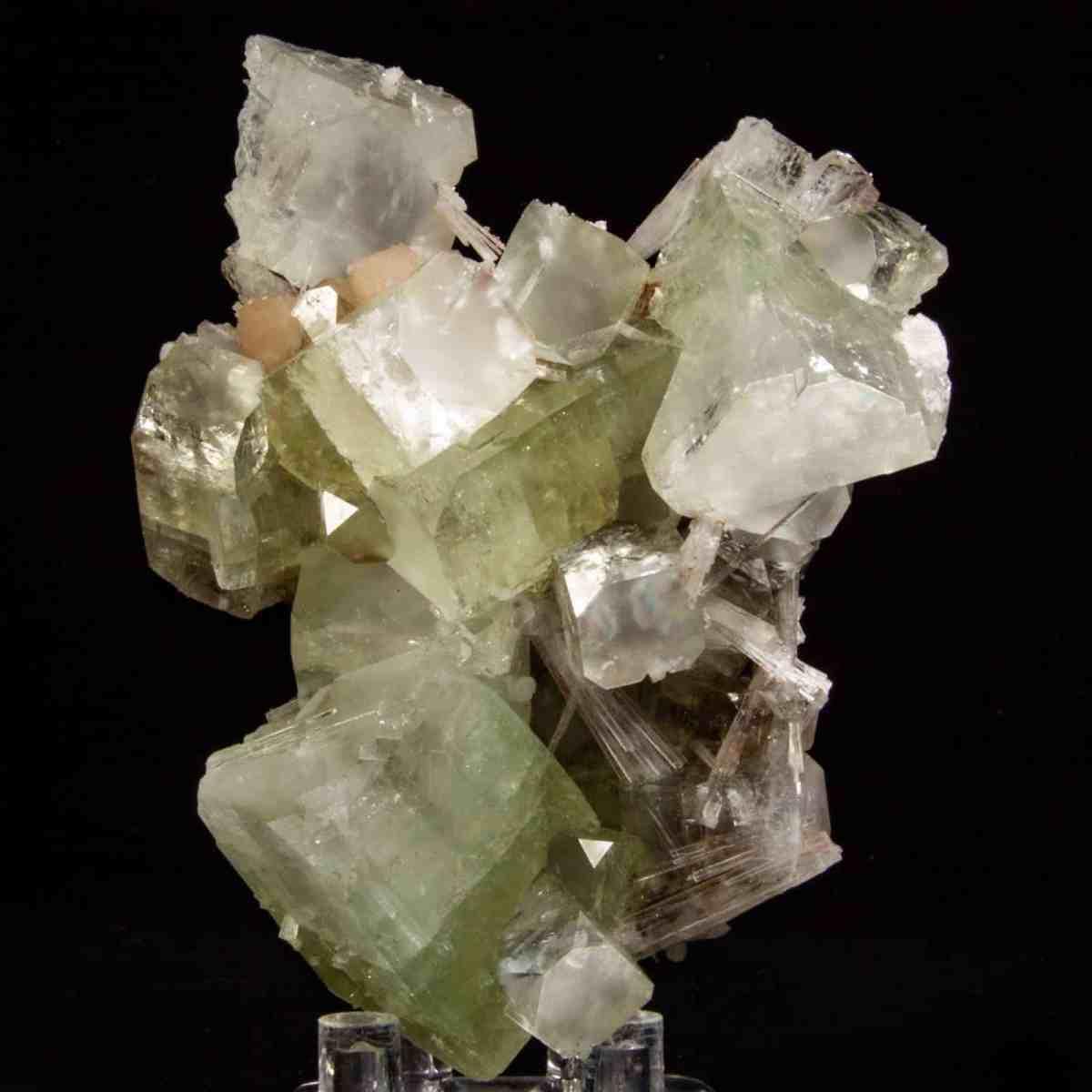 Apophyllite, Scolecite, and Stilbite