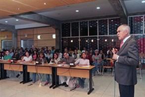 ucv-secretario-en-ponencia-de-carlos-brandt-02