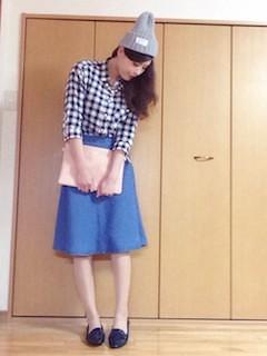 4フレアスカート×ギンガムチェックシャツ×ニット帽子