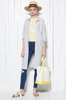 6白サンダル×ロングシャツ×デニム