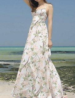 6花柄のキャミワンピ×ビーチサンダル