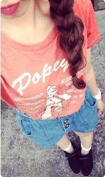 5キャラTシャツ×ミニデニムスカート×シューズ