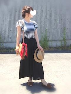 11黒のスカーチョ×パフ袖ボーダーTシャツ