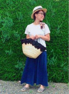 1 guのスカーチョ×Tシャツ×麦わら帽子