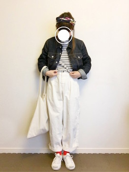 6白のコーデュロイパンツ×ボーダーTシャツ×Gジャン