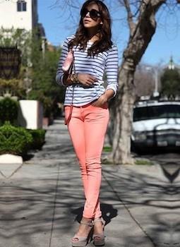 8ピンクのスキニーパンツ×ボーダーTシャツ