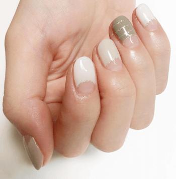 ホワイト&ピンク×カーキ×秋ネイル