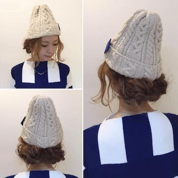アイボリーニット帽×ルーズなシニヨンのニット帽に合う髪型