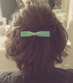 結婚式で人気のショートの内巻きカールの髪型