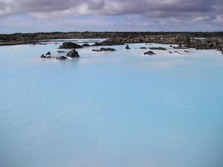 Геотермальный источник Голубая Лагуна в Исландии. Фото