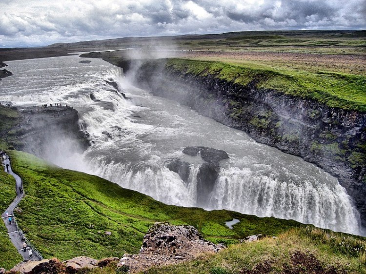 Гудльфосс - самый красивый водопад Исландии. Фото