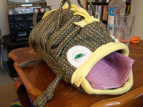 Домик для хорьков в виде рыбы. Фото