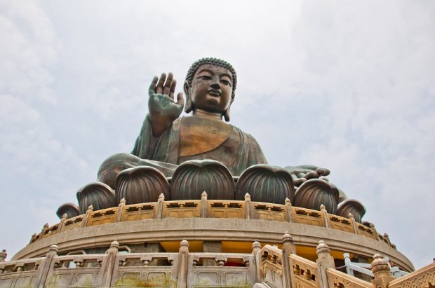 Большой Будда на острове Лантау, Гонконг. Фото