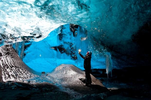 Ледяные пещеры ледника Ватнайёкюдль, Исландия. Фото