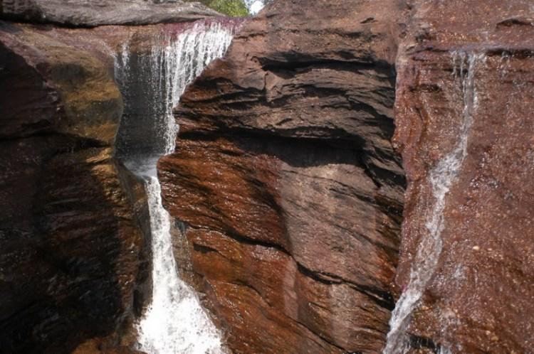 Водопад на реке Каньо Кристалес. Фото