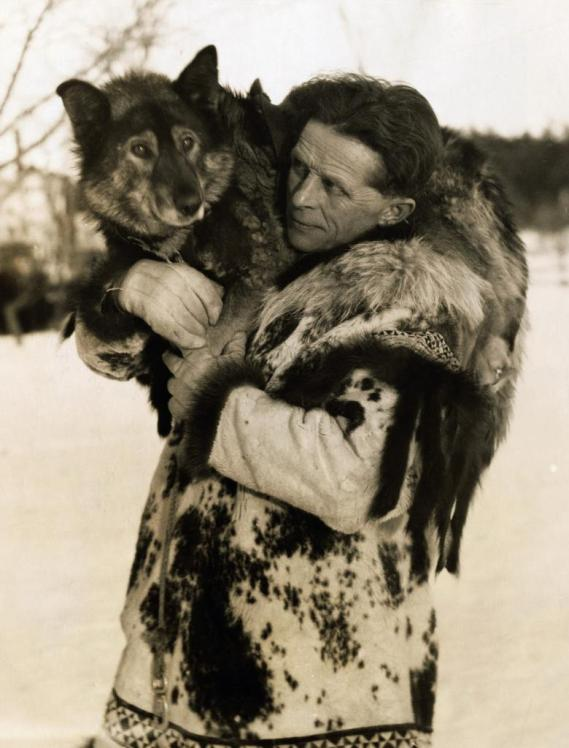 Леонард Сеппала и его пёс Того. Фото