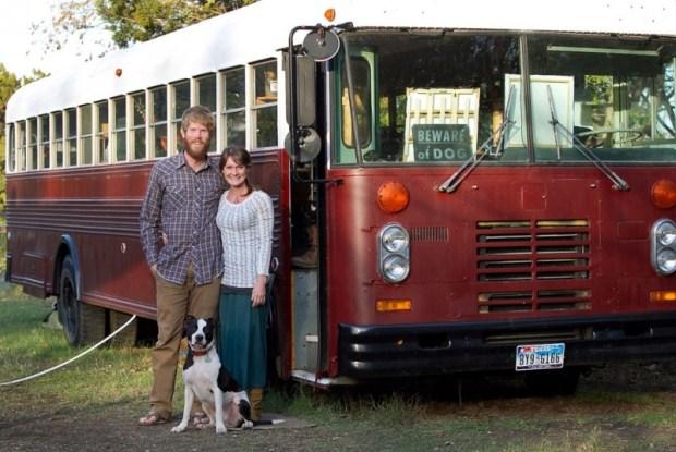Жизнь на колесах автобуса. Фото