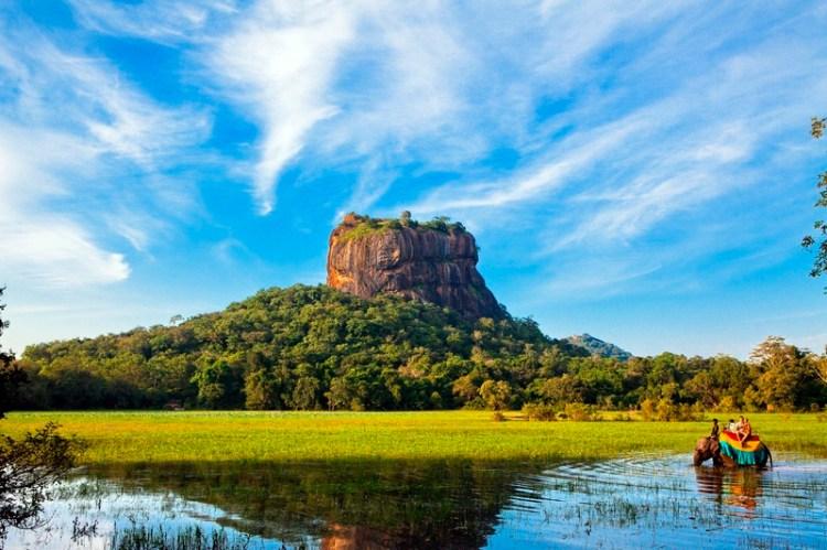 Крепость-дворец Сигирия. Шри-Ланка. Фото