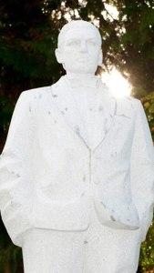 bild_falco_statue