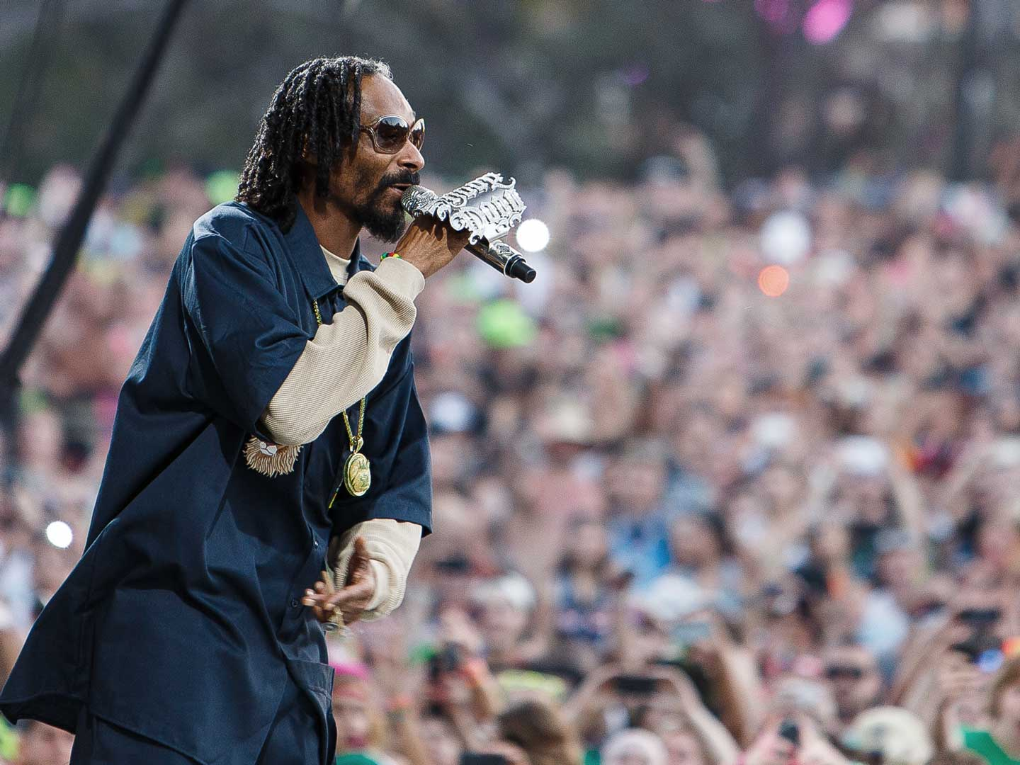 Snoop Dogg performing live