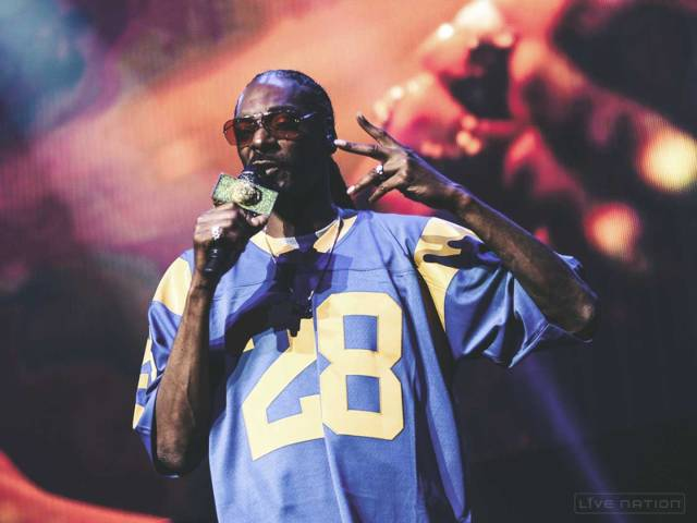 Snoop Dogg live at the Puff Puff Pass Tour