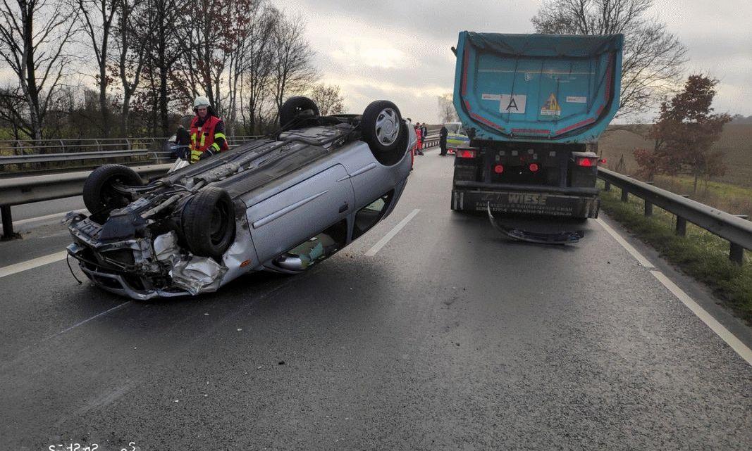 Pkw überschlägt sich – Bundesstraße 4 voll gesperrt