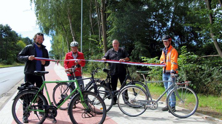 Neuer Radweg an der Friedrich-Ebert-Brücke fertig