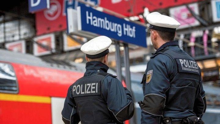 Mann von S-Bahn am Hamburger Hauptbahnhof erfasst
