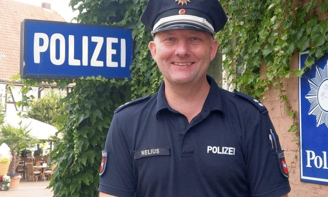 Polizeioberkommissar Christian Nelius als erster Kontaktbeamter (KOB) in der Elbtalaue im Einsatz
