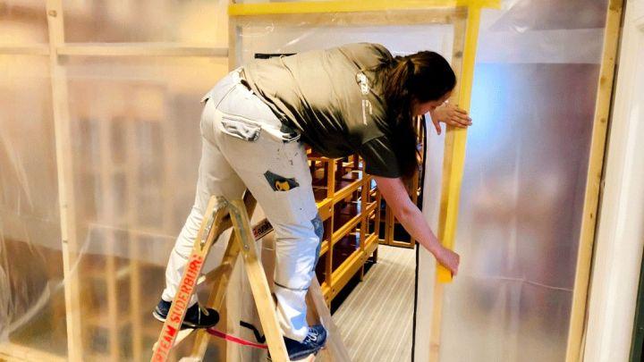Sanierungsarbeiten im Griepe-Haus: Neuer Teppich und frische Farbe