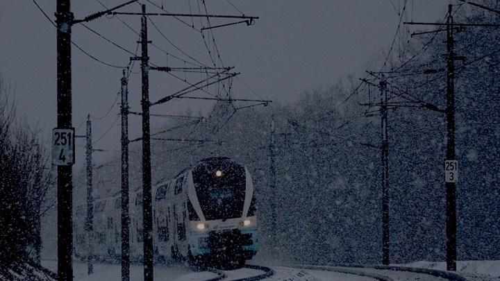 Schnee und Eis beeinträchtigen Bahnverkehr sehr stark
