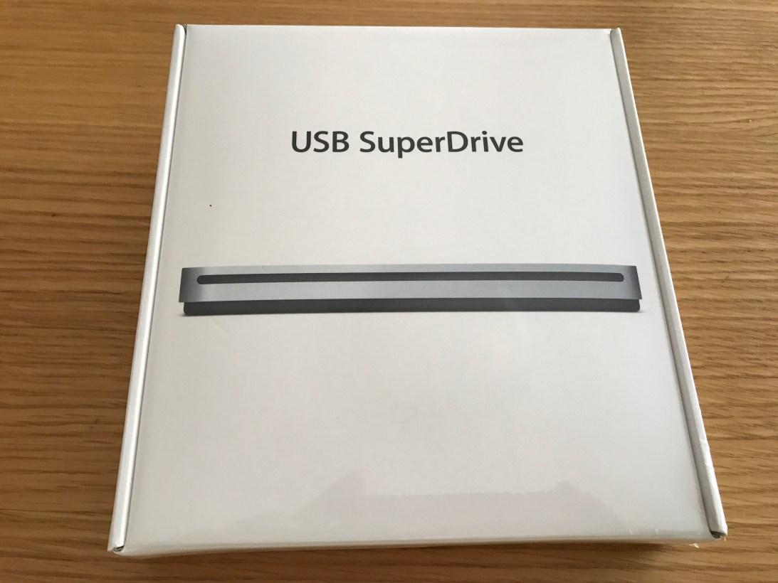 Apple USB SuperDrive を購入しました