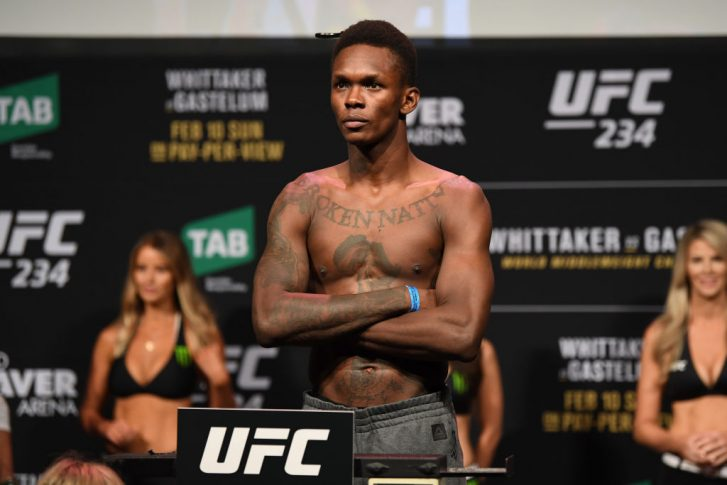 UFC 234:公式計量に登場したイズラエル・アデサニヤ | UFC JAPAN
