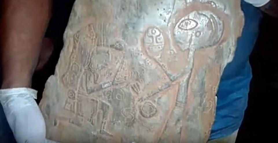 alien-stone-in-mexico