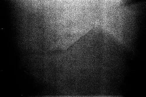 pyramid-moon2