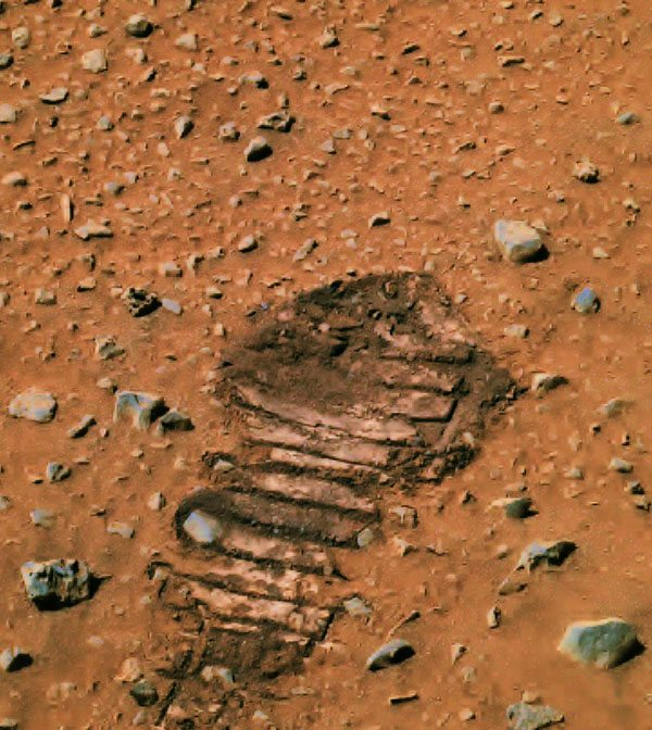 footprint discovered on mars