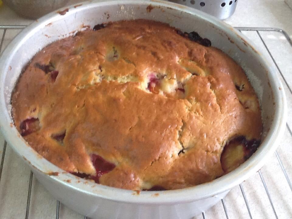 העוגה יצאה מהתנור, עכשיו מתקררת