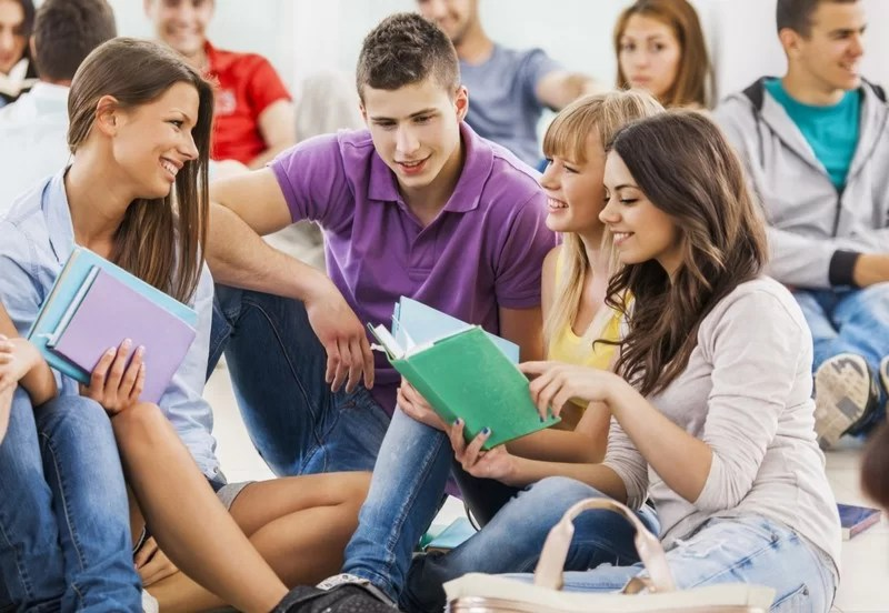 5dcbff943dbb5-o-college-students-in-group-facebookjpg