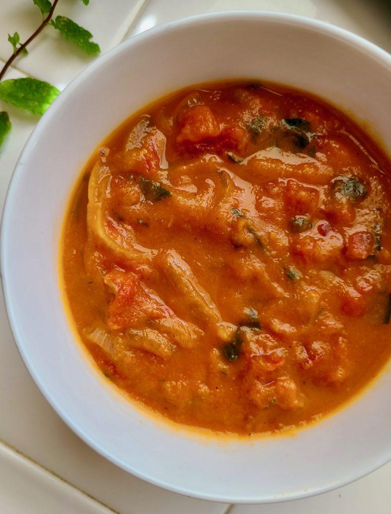 Vegan Roasted Garlic Tomato Soup